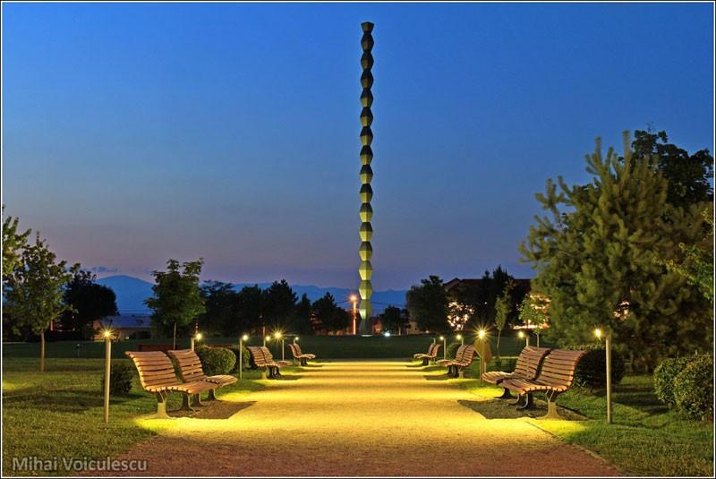 coloana infinitului